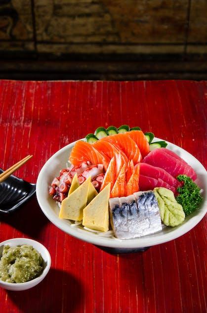 Fresh sashimi at Tenkogu
