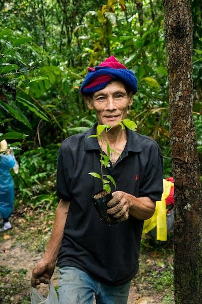 tree-planting-volunteers 2